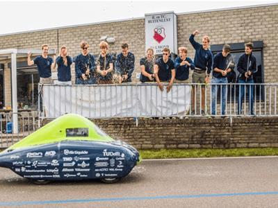 World record broken for longest distance travelled in a hydrogen vehicle; AMS Cylinders a key component