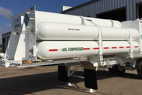 Compressed air tube trailer