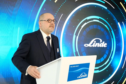 Prof. Dr. Aldo Belloni, CEO, Linde Group, speaking during the launch ceremony